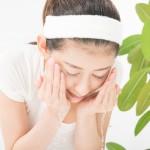 梅雨特有の肌悩みを解消!洗顔の見直しで毛穴の角栓・黒ずみ対策